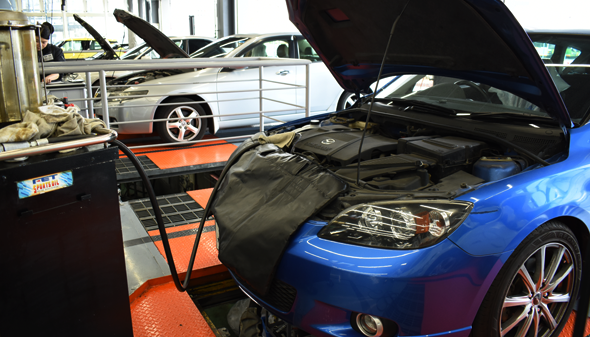 MAINTENANCE 車検、タイヤ、オイル、バッテリー交換、クルマ買取・販売など各種サービスをご希望のお客様はこちら。