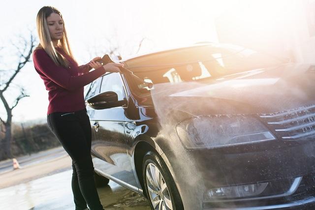 【完全ガイド】初心者でも簡単!洗車のやり方をご紹介