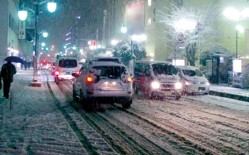 大雪のとき、車はどうする?? ~車の大雪対策をご紹介~
